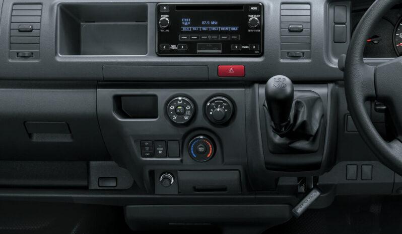 Toyota Hiace full